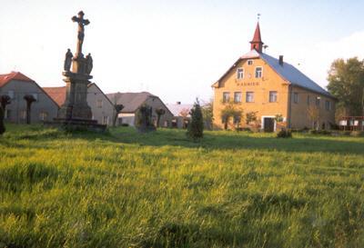 Dominantou je kostel sv. Bartoloměje