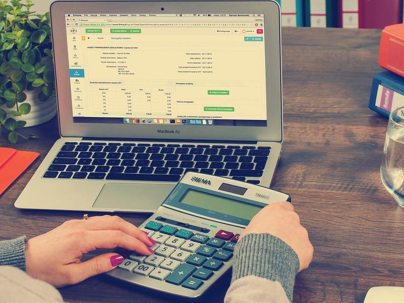 Účetní může jít místo klienta i na úřad