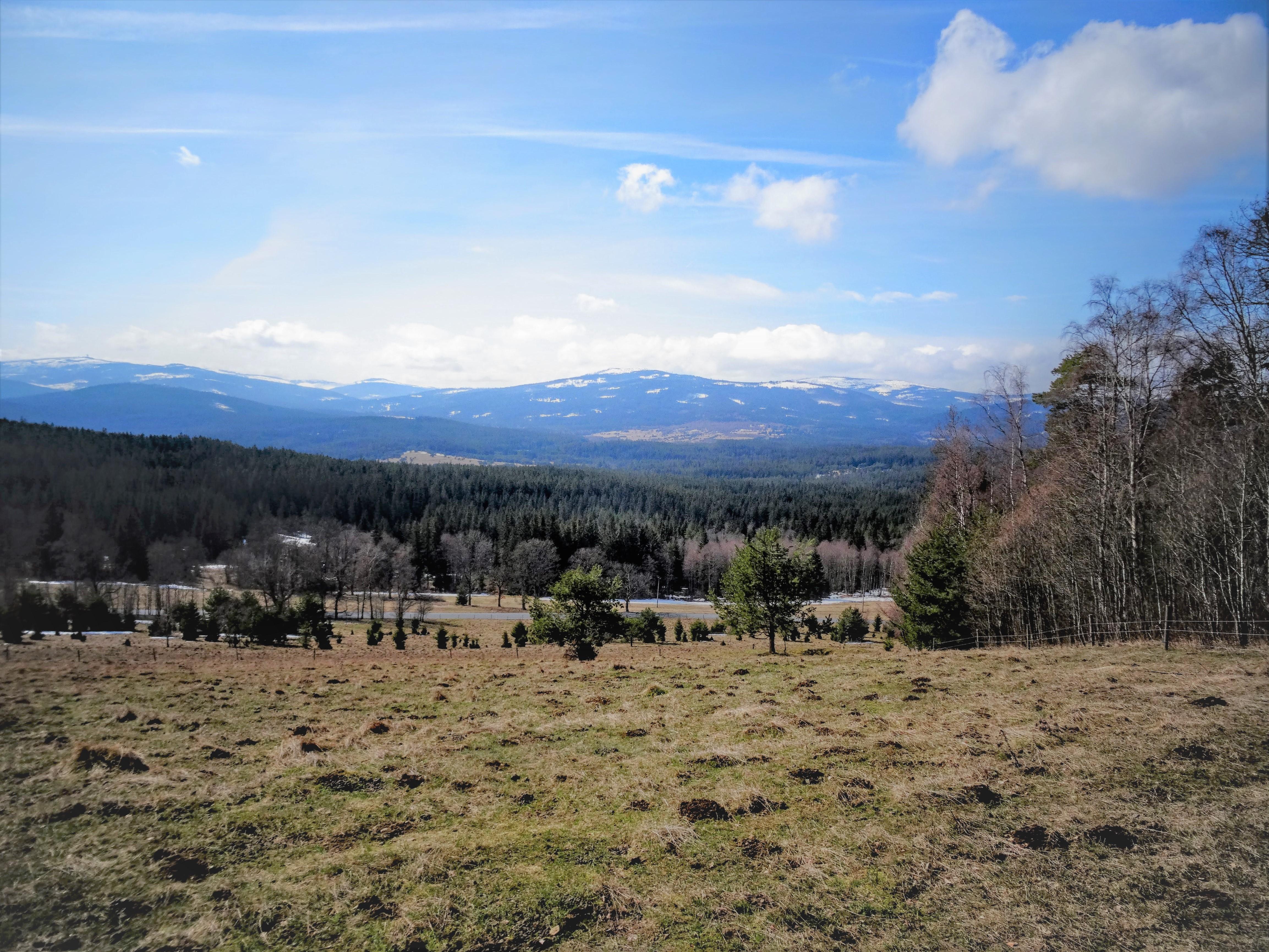 Do Novohradských hor na běžky i na kolo