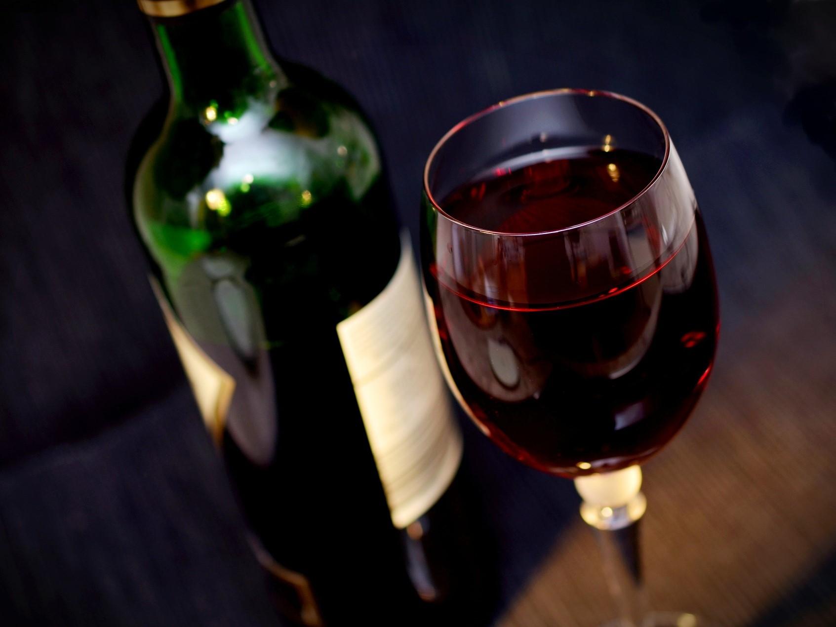 """""""Na zdraví"""" není jenom fráze – pití vína nám může pomoct předcházet nemocem"""